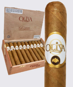 Oliva Connecticut Robusto Image.